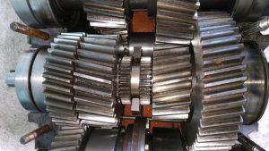 ERNEUERUNG HYDROMECHANISCHER GETRIEBE Hauptmaße: 1200x1300x650 mm