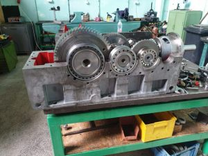 GEAR UNIT RENEWAL Size without shafts: 400x1100x600 mm; Size with shaft: 700x1350x600 mm